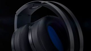 Sony presents their headphones Platinum Wireless Headset for PS4